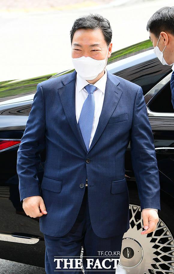 김오수 검찰총장은 서울중앙지검장의 주례보고를 재개하라고 지시했다. /과천=임영무 기자