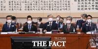 '뜨거운 공방'…국회 법사위, '서욱-박범계-최재형-김상환-김진욱' 출석 [TF사진관]