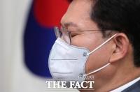 민주당, '탈당 거부' 장기화…깊어지는 고민