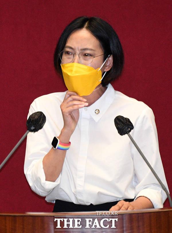 장혜영 정의당 의원 이날 본회의에서 지방세법 일부개정법률안(대안)에 대해 토론자로 나서 해당 법안에 대한 우려를 토로했다.