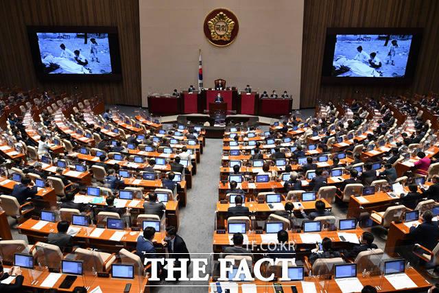 이날 여순사건 특별법은 재석 231인에 찬성 225인, 반대 1인, 기권 5인으로 가결됐다.