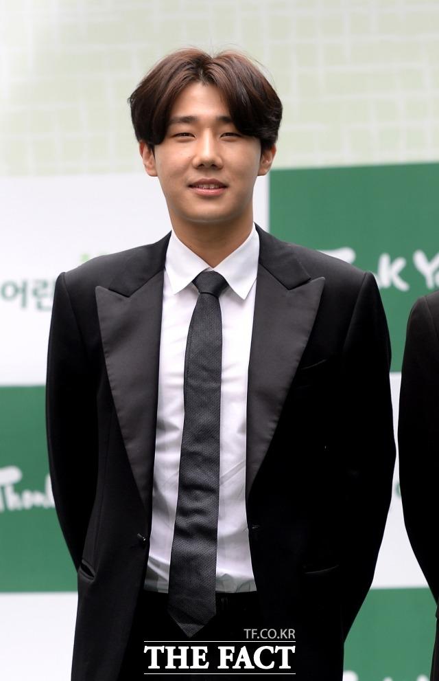 그룹 인피니트 멤버 가수 겸 배우 성규는 27일 코로나19 확진 판정을 받으면서 활동을 잠정 중단한다고 밝혔다. /더팩트 DB