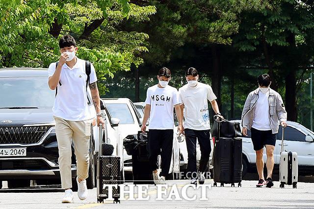 김민재와 김진규, 김동현, 엄원상(왼쪽부터)