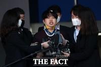 최찬욱·조주빈·김태현, 포토라인 앞 주눅들지 않는 그들
