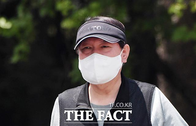 이날도 윤 전 총장은 PGA TOUR 골프 선캡을 착용, 윤 전 총장의 남다른 골프 사랑
