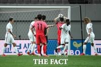 실점에 아쉬워 하는 한국 대표팀 [포토]