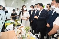 김부겸 총리, '청년 농업인 농업 현장 방문' [TF사진관]