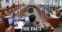 야당 불참 속 '구글 갑질 방지법' 국회 과방위 통과 [TF사진관]