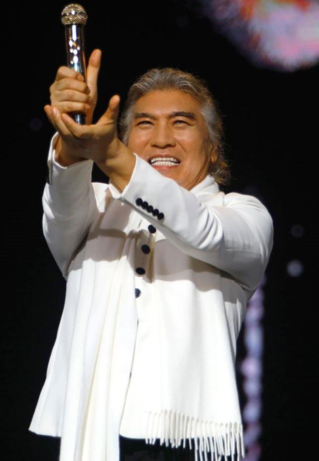 가수 나훈아의 부산 콘서트가 코로나19 방역 수칙 강화에 따라 결국 취소됐다. 다만 예매처 예스24는 내달로 연기할 것이라고 밝혔다. /예아라예소리 제공