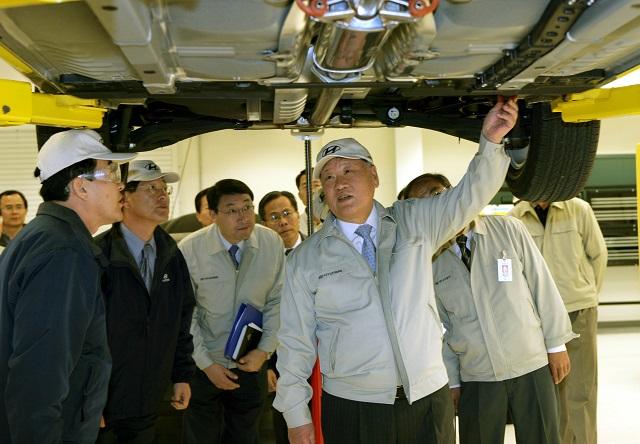 정몽구 명예회장은 품질과 기술 자립에 대한 열정으로 국내 최초이자 유일한 자동차 전문그룹을 출범, 자동차를 중심으로 자동차 부품산업과 소재산업을 비약적으로 성장시켰다. /현대차그룹 제공