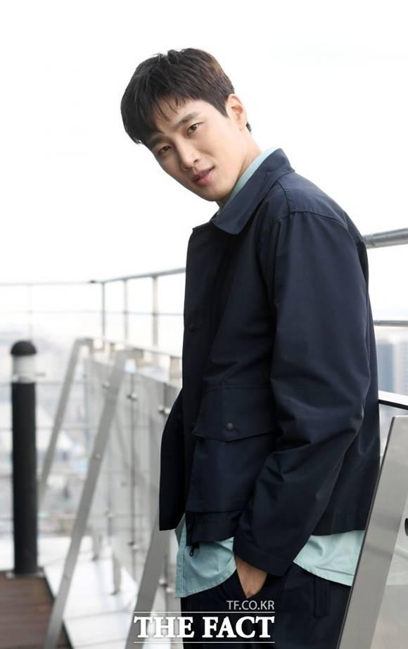 배우 안보현이 유튜브 채널 구독 목록 논란에 관리자 실수다. 앞으로 채널을 세심하게 관리하겠다고 해명했다. /더팩트 DB