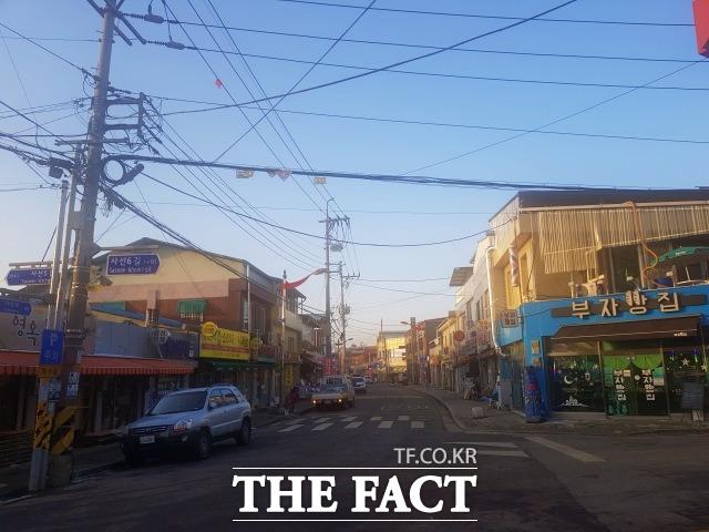 전북 임실군이 도심지 미관 개선 및 안전한 보행환경을 조성하기 위해 지중화 사업을 본격 추진한다고 26일 밝혔다. /임실군 제공