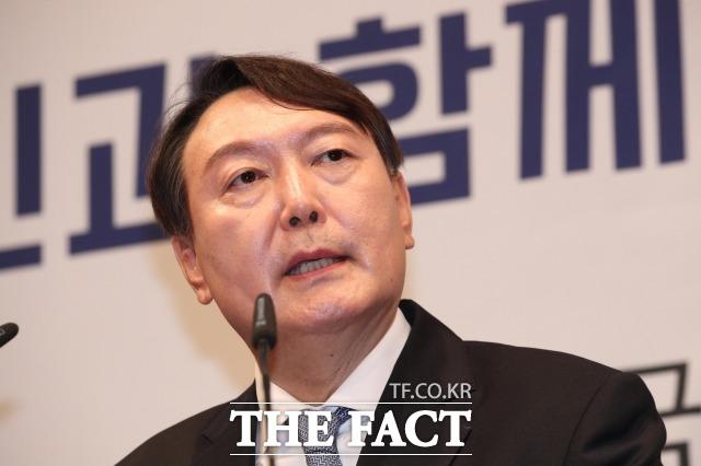 윤석열 전 검찰총장의 후원회가 후원금 모금 첫날인 26일 25억6545만 원의 후원금 모집을 완료했다고 27일 밝혔다. /이선화 기자