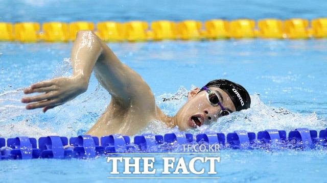 황선우가 2020 도쿄올림픽 남자 자유형 100미터 결승에서 5위를 기록했다. 사진은 결승을 앞두고 몸을 풀고 있는 모습. /도쿄=뉴시스