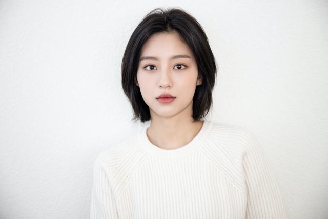 2009년 아역으로 데뷔한 강민아는 올해로 데뷔 12년 차를 맞이했다. /H&엔터테인먼트 제공
