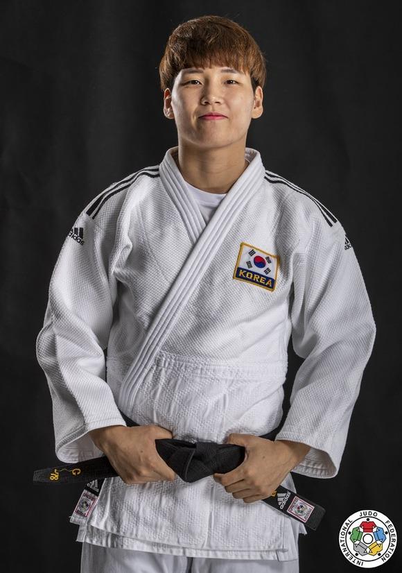 윤현지가 2020 도쿄올림픽 여자 유도 78kg급에서 세계 5위 구스제 스테인후이스를 꺾고 준결승에 진출했다. /국제유도연맹