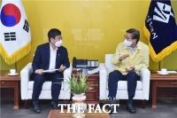 박형준 부산시장, 안도걸 기재부 제2차관 만나 국비사업 지원 요청