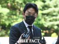 '다작왕' 하정우, 법정서 혐의 인정…촬영 대기 영화 어쩌나