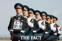 카자흐스탄 대통령, '독립전쟁 영웅' 홍범도 장군 유해와 함께 코로나 시대 첫 국빈 방문