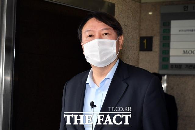 윤석열 전 검찰총장 캠프는 13일 송석준 의원 등 현역 국회의원 6명을 포함한 인사들을 추가로 영입했다고 밝혔다. /국회사진취재단