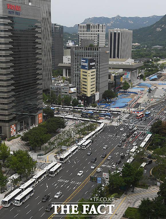 광복절 연휴 집회 원천봉쇄에 나선 경찰.