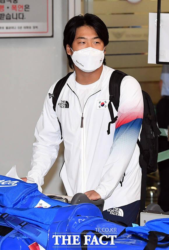 2020 도쿄 올림픽 야구 대표팀 강백호가 8일 오후 인천국제공항으로 귀국하고 있다./인천국제공항=임영무 기자