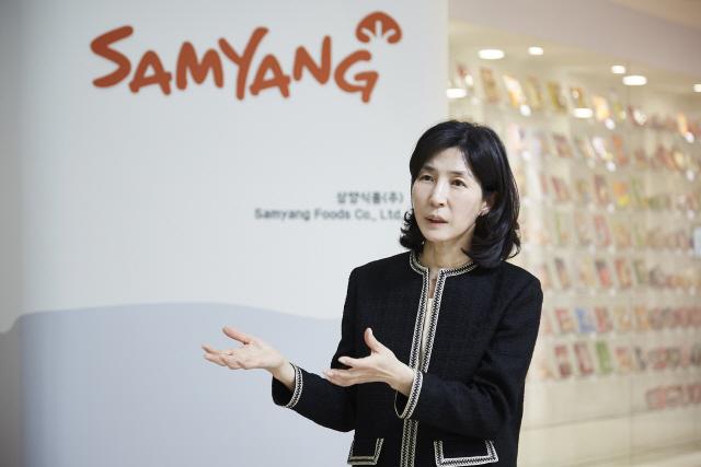 김정수 전 삼양식품 대표이사 사장이 지난해 10월 총괄사장으로 복귀한 이후 글로벌 거점 강화 및 ESG 경영에 집중하고 있다. /삼양식품 제공