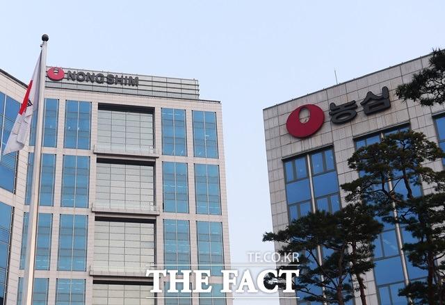 농심은 2분기 연결기준 영업이익이 전년 동기 대비 58.3% 감소한 173억 원을 기록했다. /더팩트 DB