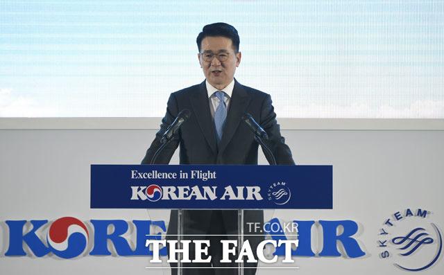 조원태 대한항공 회장은 20일 글로벌 항공 전문지 플라이트글로벌과의 인터뷰에서 A380을 5년 내 퇴출하고 B747-8i도 10년 내 그 뒤를 따를 것이라고 말했다. /더팩트 DB