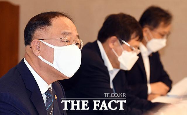 모두발언하는 홍남기 경제부총리 겸 기획재정부 장관.