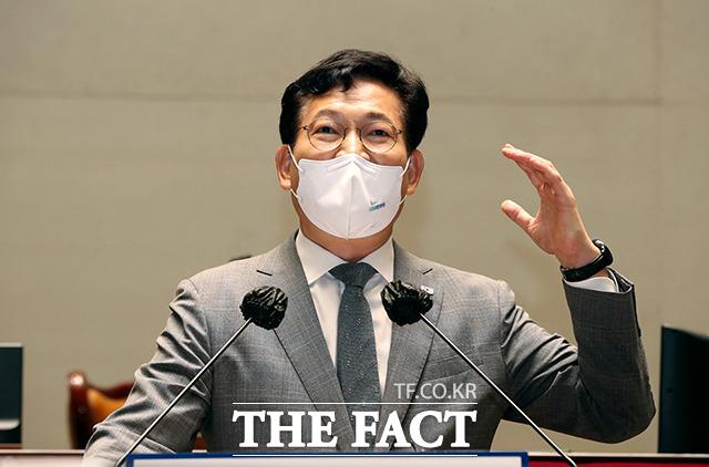 송영길 민주당 대표가 지난 25일 오전 국회에서 열린 의원총회에 참석해 발언하는 모습. /이선화 기자