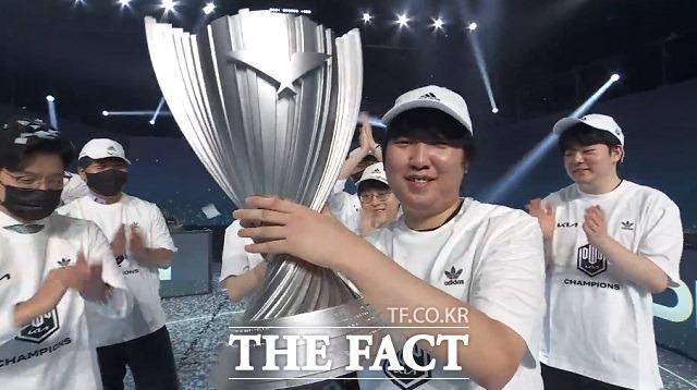 리그오브레전드 '천하무적' 담원 기아…3연속 LCK 챔피언
