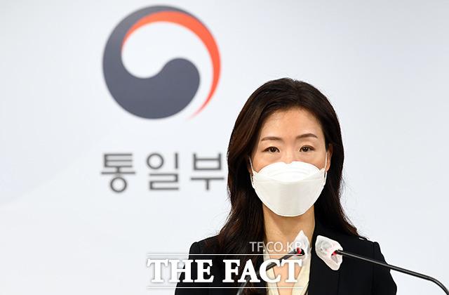 이종주 통일부 대변인이 30일 오전 서울 종로구 정부서울청사 합동브리핑실에서 브리핑을 하고 있다./임영무 기자