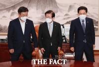 '오늘도 회동' 여야, '언론중재법' 두고 강대강 대치 [TF사진관]
