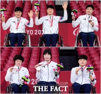 패럴림픽 남녀 탁구, 단체전서 '나란히 은메달' 수확 [TF사진관]