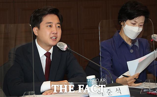 이준석 국민의힘 대표가 3일 서울 중구 한국프레스센터에서 열린 관훈토론회에서 모두발언을 하고 있다. /국회사진취재단