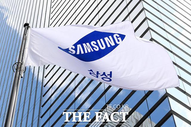 8일 금융투자업계에 따르면 전날 삼성전자는 전일대비 1200원(-1.55%) 내린 7만6100원에 거래를 마쳤다. /남용희 기자