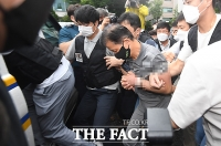 검찰 송치되는 '전자발찌 살인' 강윤성 [포토]