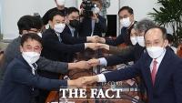 '언론중재법 개정안 논의' 첫 만남 가진 여야 협의체 [TF사진관]