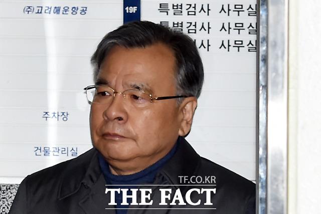 가짜 수산업자 김모(43) 씨 금품 로비 의혹을 수사한 경찰이 유력인사 박영수 전 특별검사 등 7명을 검찰에 송치하면서 사건을 일단락 지었다. /더팩트 DB