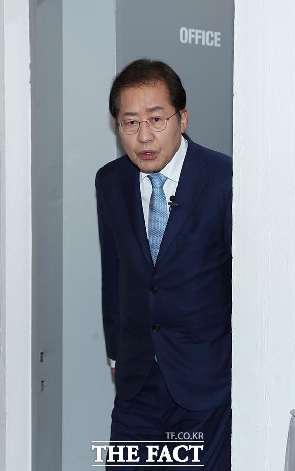 국민면접 국민시그널에 참가한 홍준표 의원.