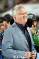 '월드컵 4강 신화' 히딩크, 지휘봉 내려놓으며 은퇴 선언 [TF사진관]