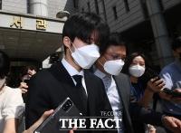 '마약 투약 혐의' 비아이, 1심 집행유예 4년 선고 [TF사진관]