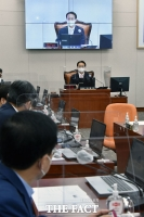 국정감사 준비하는 조해진 신임 교육위원장 [TF사진관]