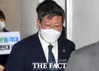 '택시기사 폭행' 이용구 전 차관 기소…