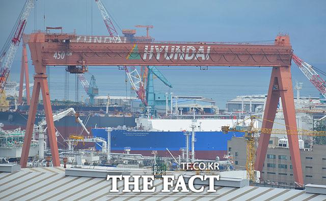 17일 유가증권시장에 발을 들인 현대중공업은 시초가(11만1000원) 대비 500원(+0.45%) 오른 11만1500원에 장을 종료했다. /더팩트 DB