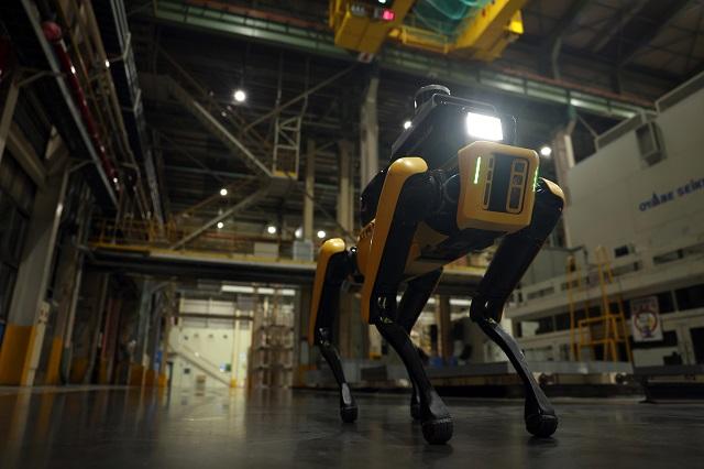 현대차그룹이 지나 6월 인수 작업을 마친 보스턴 다이내믹수와 첫 번째로 협력한 프로젝트 공장 안전 서비스 로봇을 최초 공개했다. /현대차그룹 제공