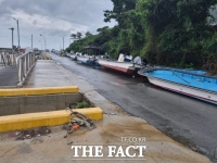 태풍 '찬투' 피해를 대비하는 전남 완도 가두리 해상 양식장