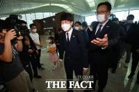'대선 준비 미국서부터' 이준석, 재외선거 독려위해 출국 [TF사진관]