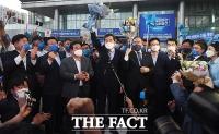 지지자들에게 인사하는 '호남 강자' 이낙연 [포토]